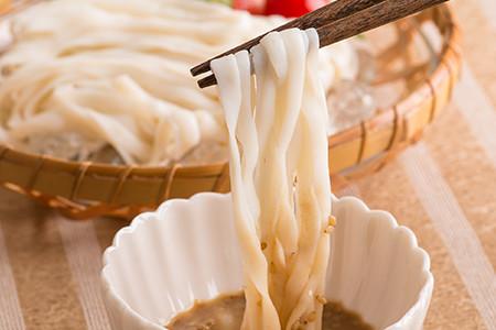 胡麻&擔擔味豆乳蒟蒻麺