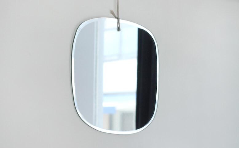 M nuance 水たまりのような鏡